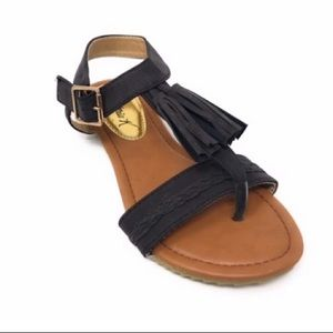 NWOB Victoria K black tassel and braided sandals